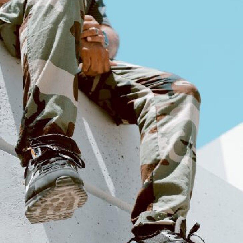 calça cargo camuflada para estilo militar urbano